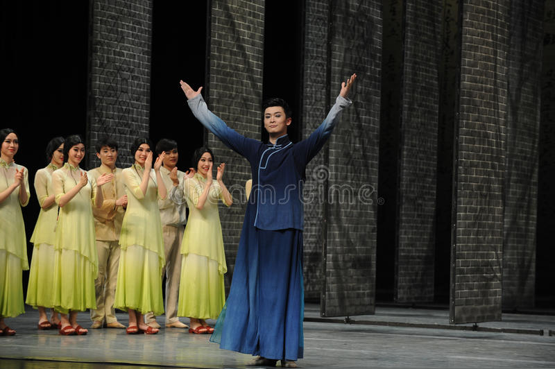 The actor curtain call-The end of dance drama-Shawan events of the past. Guangdong Shawan Town is the hometown of ballet music, the past focuses on the stock image