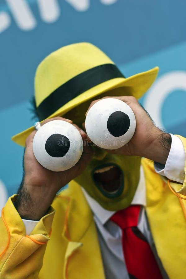 Actor de sexo masculino que retrata el carácter de la máscara imagen de archivo libre de regalías