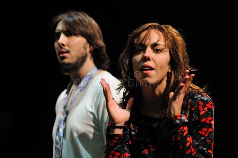 Actoren van het het Theaterinstituut van Barcelona, spel in de komedie Shakespeare voor de Uitvoerende macht royalty-vrije stock foto