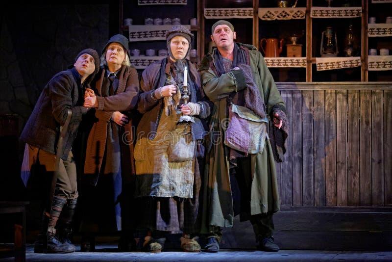 Actores en la etapa del teatro de Taganka durante funcionamiento foto de archivo libre de regalías