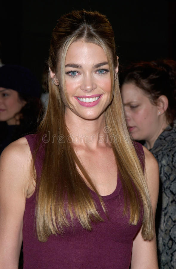 Denise Richards. Actress DENISE RICHARDS at the Hollywood premiere of her new movie Valentine. 01FEB2001. Paul Smith/Featureflash stock photography