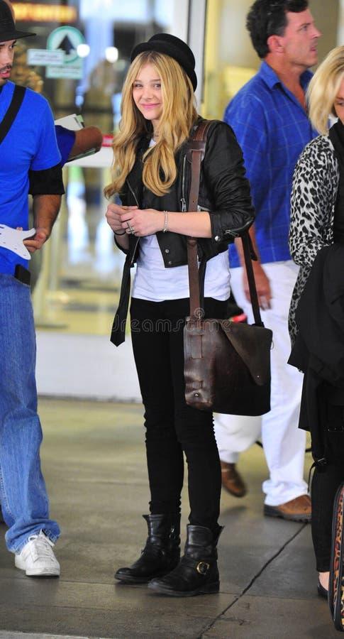 Actrice Chloe Moritz bij LOSSE luchthaven royalty-vrije stock afbeelding