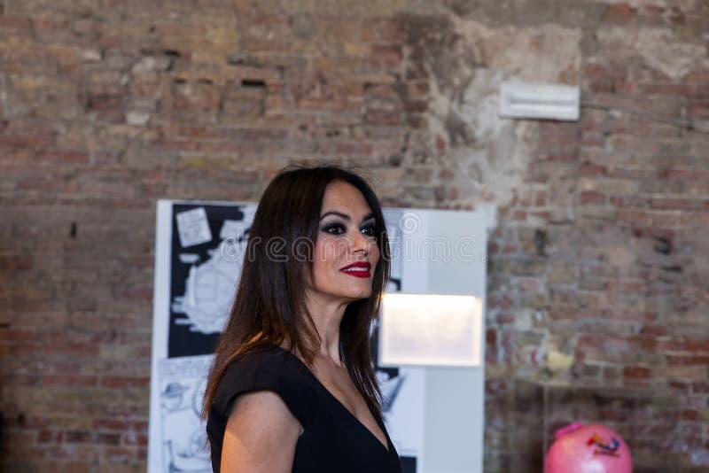 actrice italienne maria grazia cucinotta au pavillon de malte photo ditorial image du italien. Black Bedroom Furniture Sets. Home Design Ideas