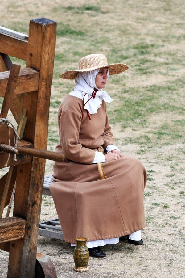 Actriz en un traje medieval, Londres (Reino Unido) imagen de archivo libre de regalías