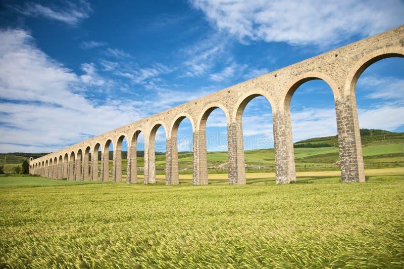 Acueducto antiguo en Pamplona imagen de archivo libre de regalías