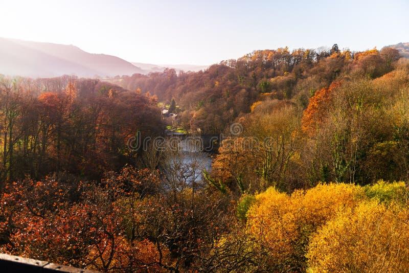 Acueducto de Pontcysyllte con el canal de Llangollen en País de Gales, Reino Unido foto de archivo