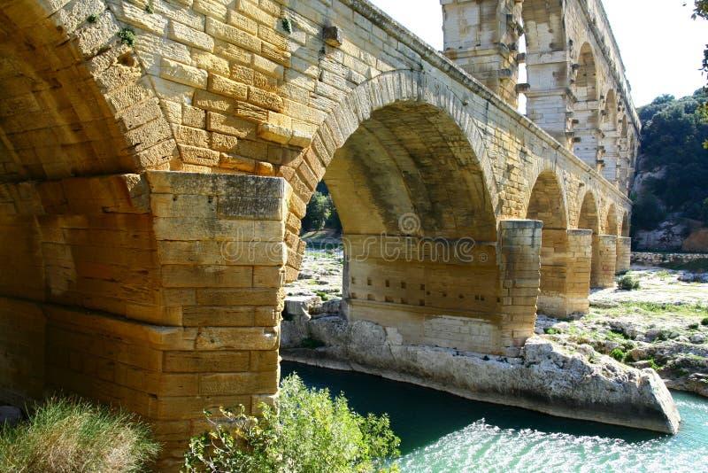 Acueducto romano imagenes de archivo