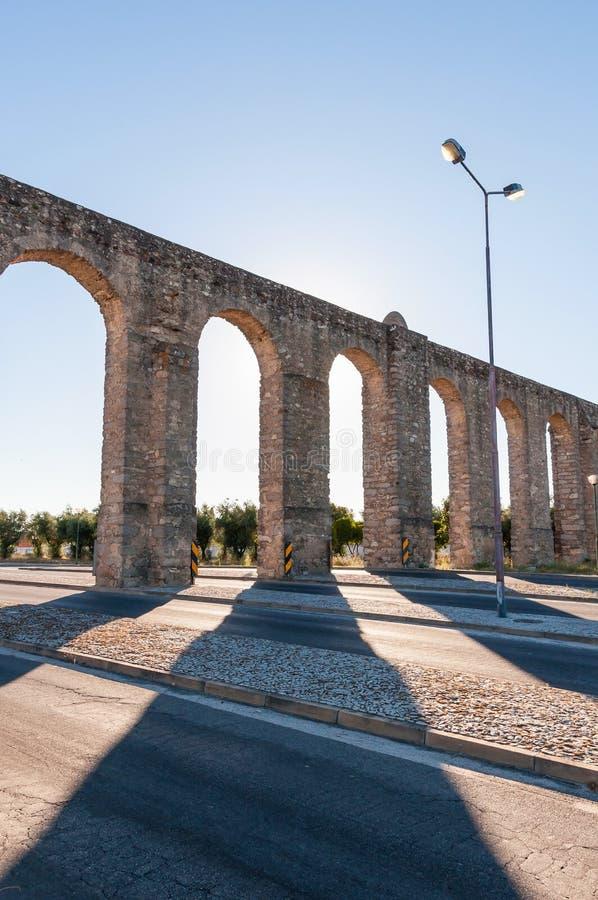 Acueducto romano antiguo en Evora fotografía de archivo