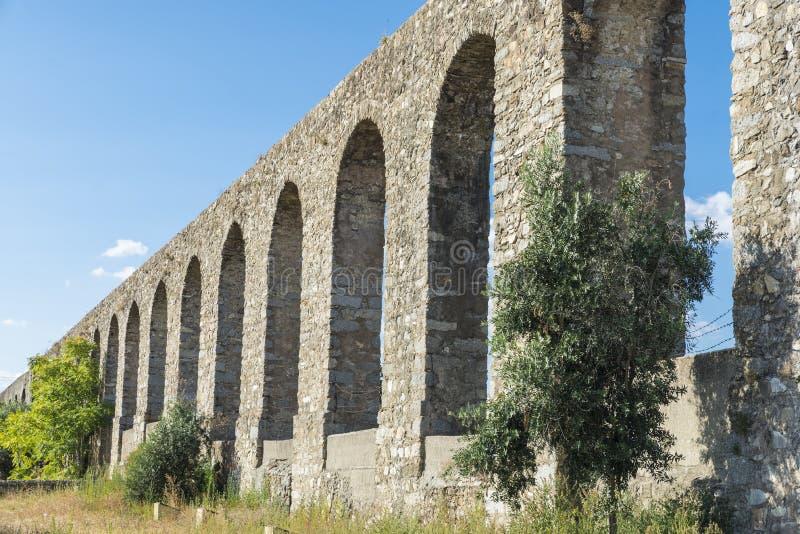 Acueducto romano en Evora foto de archivo