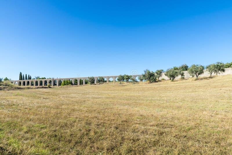 Acueducto romano en Evora fotografía de archivo