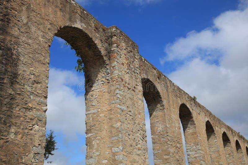 Acueducto romano en Evora portugal imágenes de archivo libres de regalías