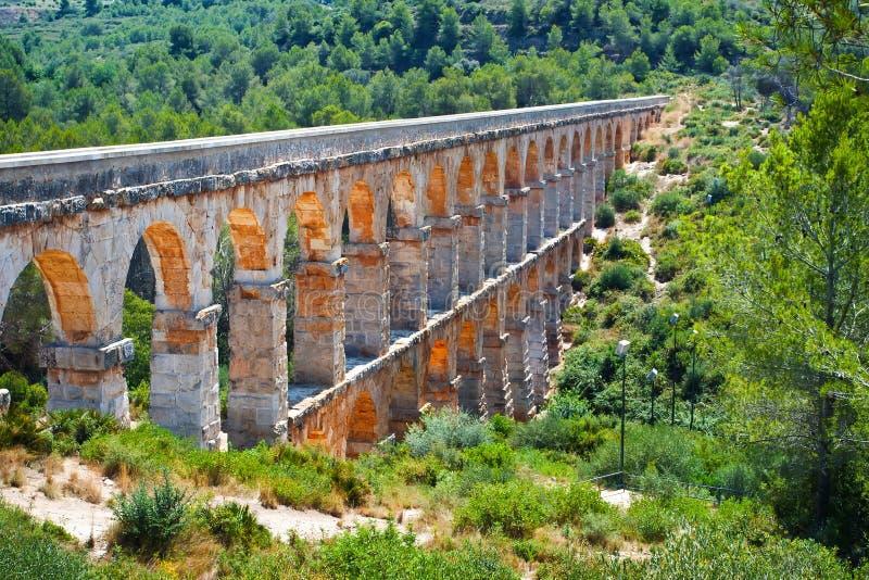 Acueducto romano en Tarragona fotografía de archivo