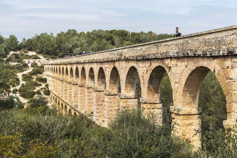 Acueducto romano en Tarragona, España foto de archivo