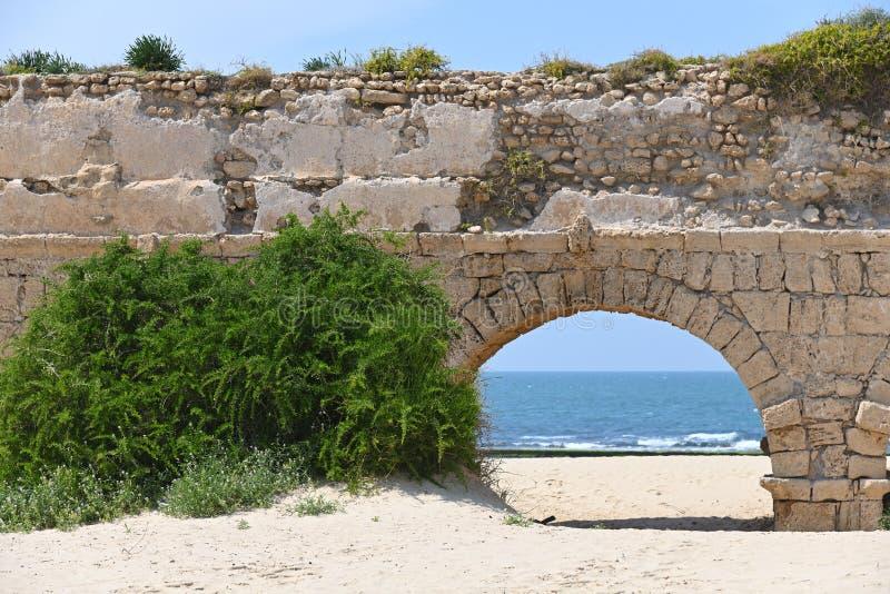 Acueductos romanos Caesarea Maritima Israel fotografía de archivo