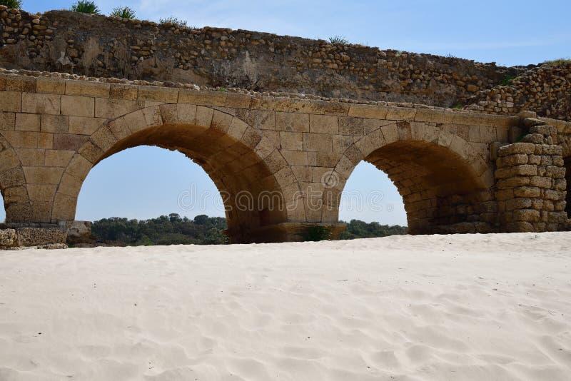Acueductos romanos Caesarea Maritima Israel foto de archivo libre de regalías
