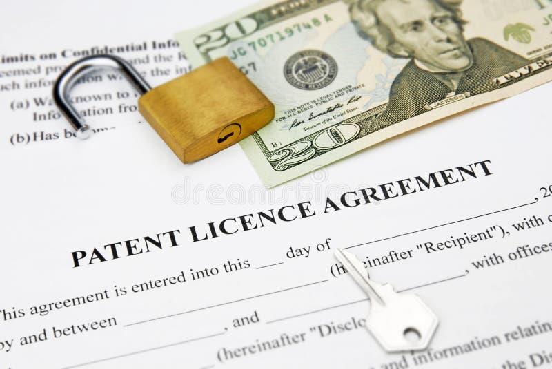 Acuerdo de licencia de patente imágenes de archivo libres de regalías