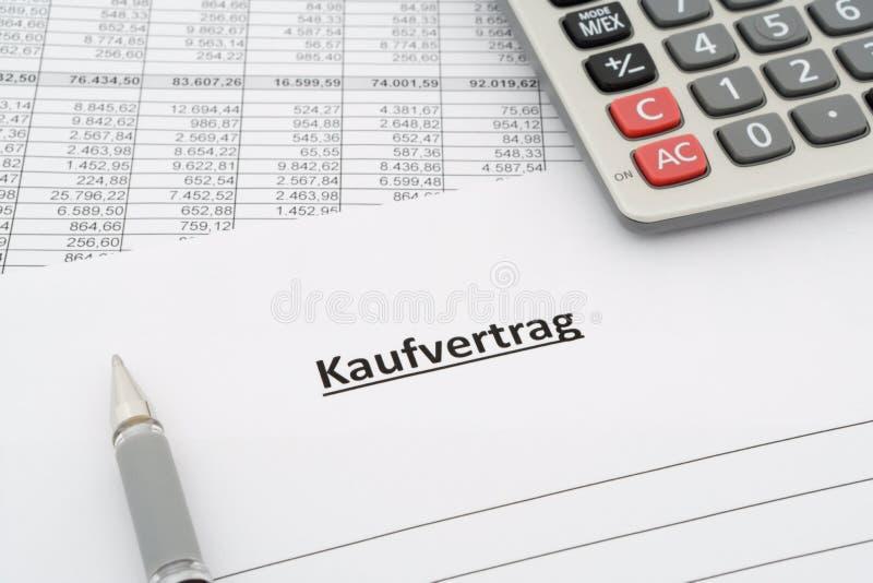 Acuerdo de ventas - Kaufvertrag - en alemán foto de archivo libre de regalías