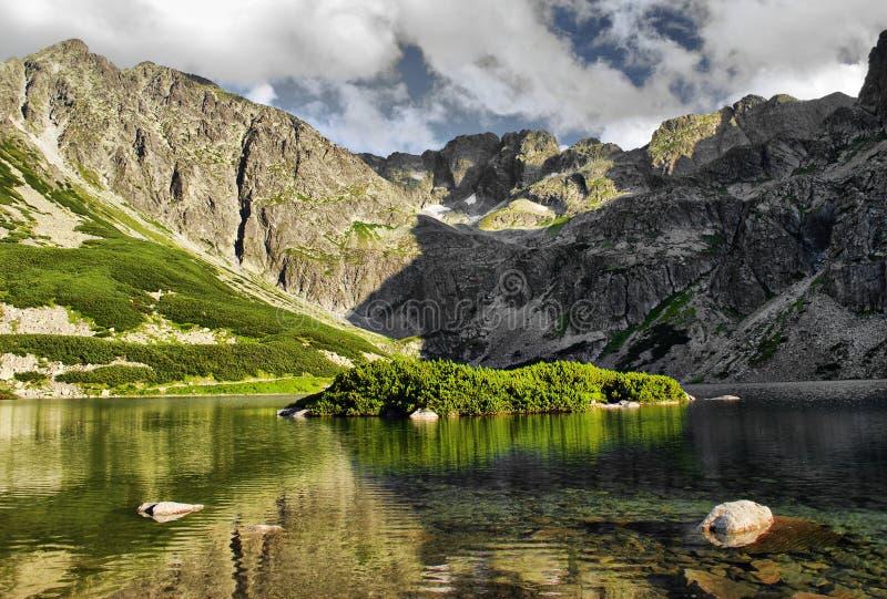Acumule en las montañas polacas de Tatra fotos de archivo