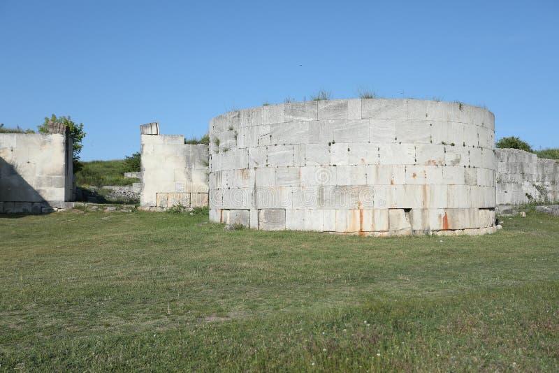 Adamclisi ruiny w Rumunia, ściany zakończenia widok obraz royalty free