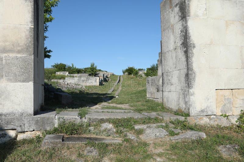 Adamclisi ruiny w Rumunia, wejściowy zakończenie widok zdjęcie royalty free