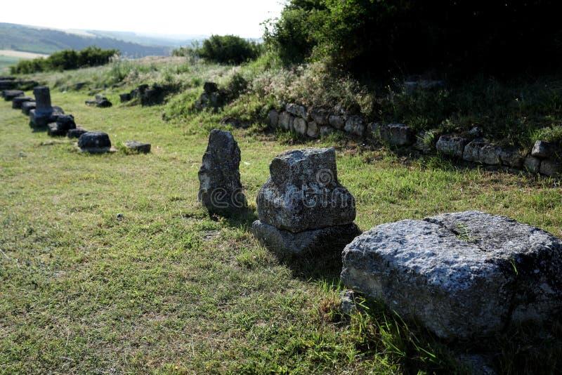 Adamclisi ruiny w Rumunia, zakończenie widok zdjęcie royalty free
