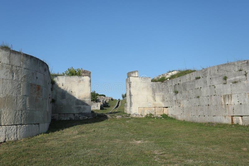 Adamclisi ruiny w Rumunia, zewnętrzne ściany zdjęcie stock