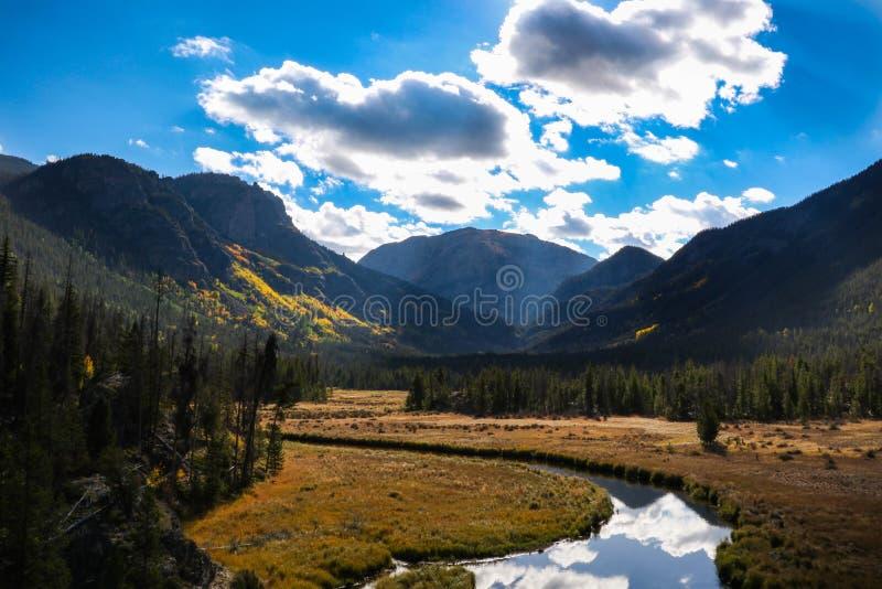 Adams fällt River Valley lizenzfreies stockbild