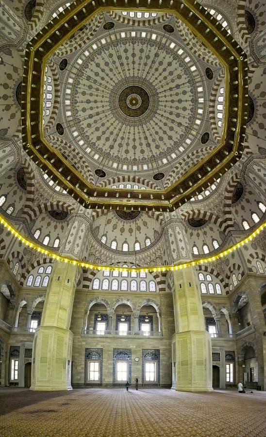 Adana kopuły środkowy meczetowy szczegół wśrodku zdjęcia stock