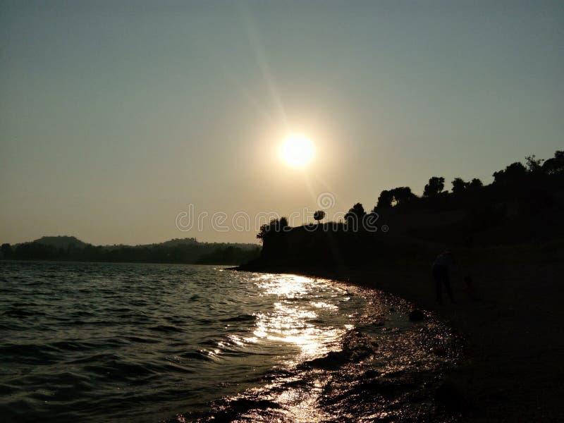 Adana Seyhan Lake, solnedgång från Tahtalıköy fotografering för bildbyråer