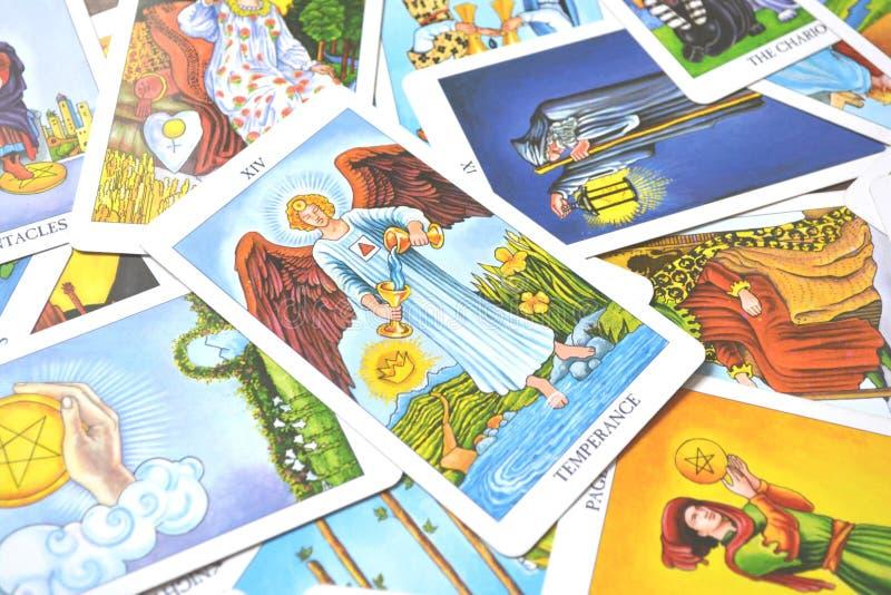 Adaptabilidad curativa de la armonía de la carta de tarot de la templanza stock de ilustración
