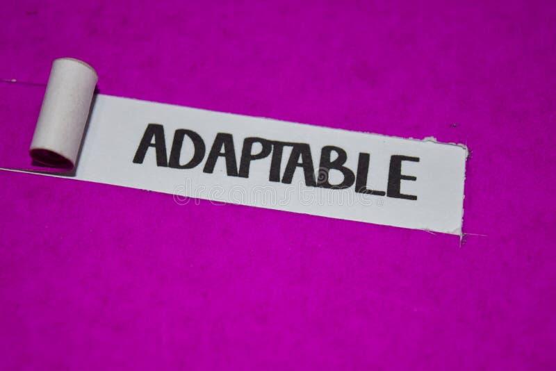 Adaptacyjny tekst, klimaty pojęcie na purpura drzejącym papierze, inspiracji i pozytywu obrazy royalty free