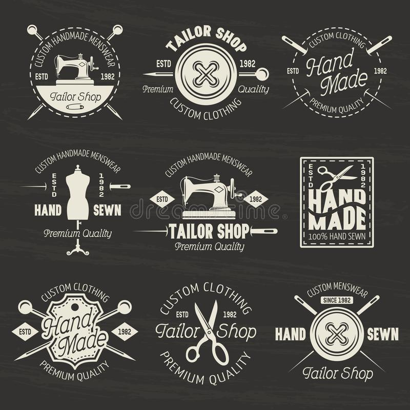 Adapte los emblemas o las insignias de la luz del vector de la tienda en oscuridad stock de ilustración