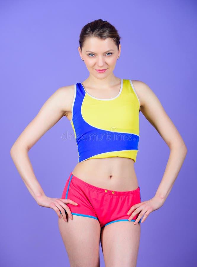 adaptez votre corps et perdez le poids Femme heureuse dans les vêtements de sport corps sportif sexy Belle perfection Vers un plu images libres de droits