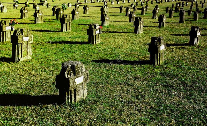 Download Adda cimitery crespi d zdjęcie stock. Obraz złożonej z grobowiec - 13327936