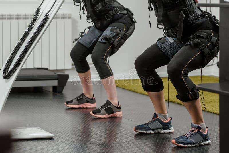 Addestramento di SME nel fitnessclub fotografie stock libere da diritti