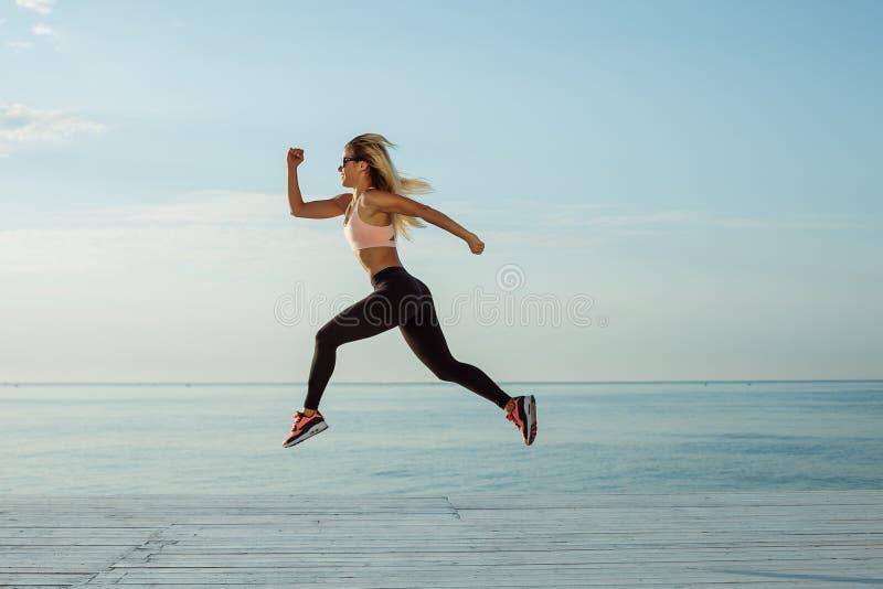 Addestramento e allenamento all'aperto fotografia stock