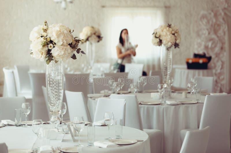 Addition de banquet de mariage de décoration de fleur photographie stock