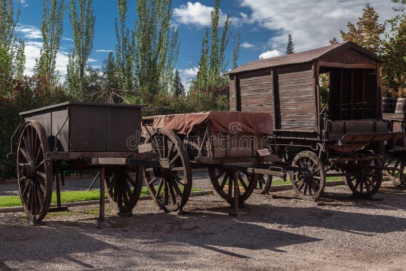 Adega de madeira Mendoza Argentina de Charriots fotos de stock royalty free