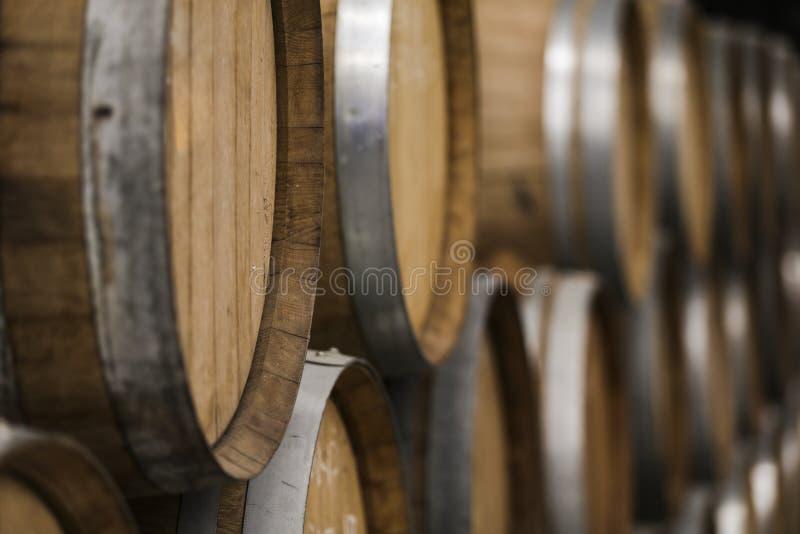 Adega de tambores, do vinho e da cerveja de madeira fotos de stock