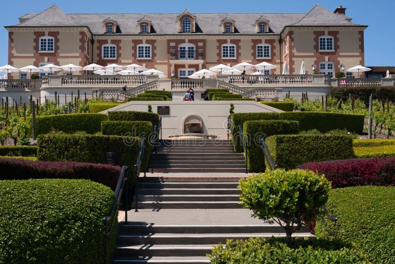 Adega famosa Domaine Carneros de Napa, escadas que conduzem fotos de stock royalty free