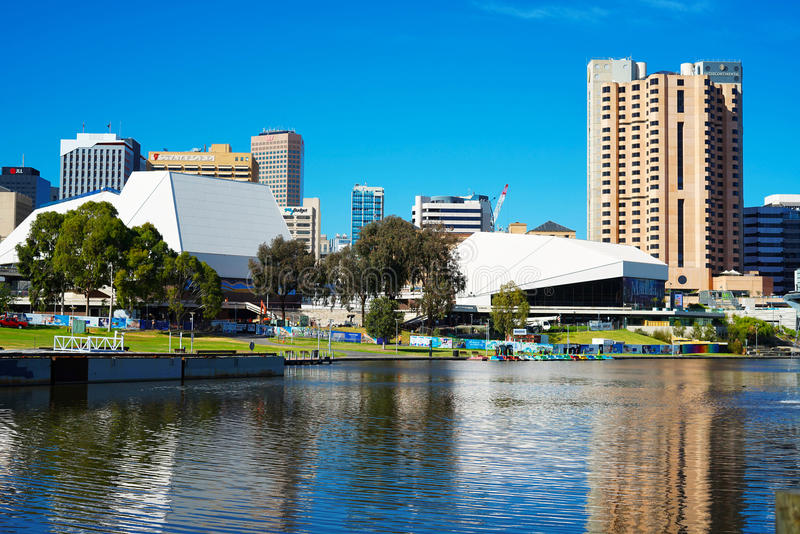 Adelaide Riverbank City-horizon stock afbeeldingen