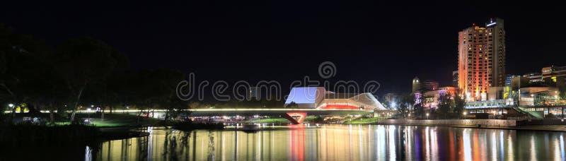 Adelaide Riverbank Precinct par nuit images libres de droits