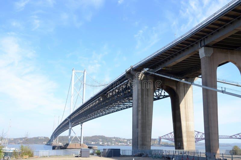 Adelante puente del camino, Queensferry fotos de archivo