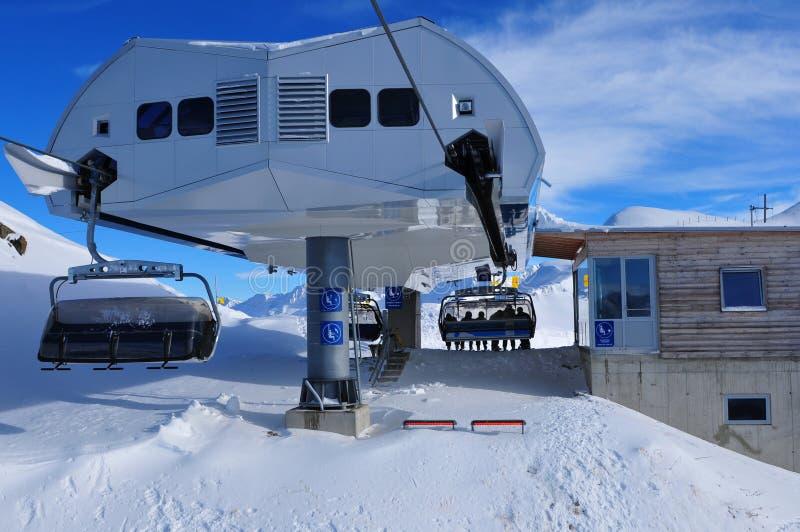 Adem die panorama van het skigebied nemen van kals-Matrei ov stock foto