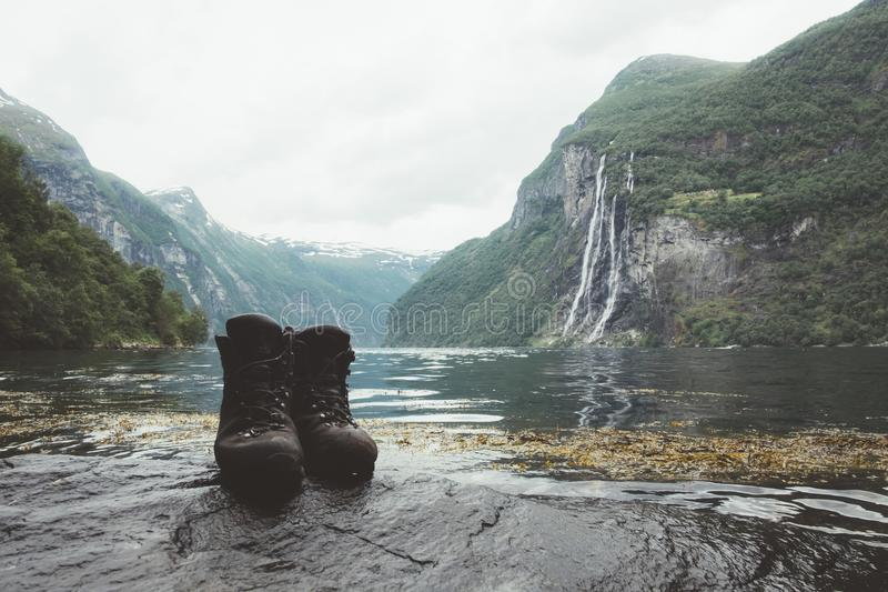 Adembenemende mening van Sunnylvsfjorden-fjord stock foto
