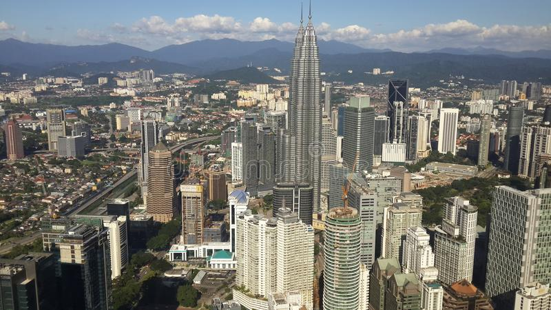 Adembenemende meningen van Menara-toren in Kuala Lumpur royalty-vrije stock fotografie