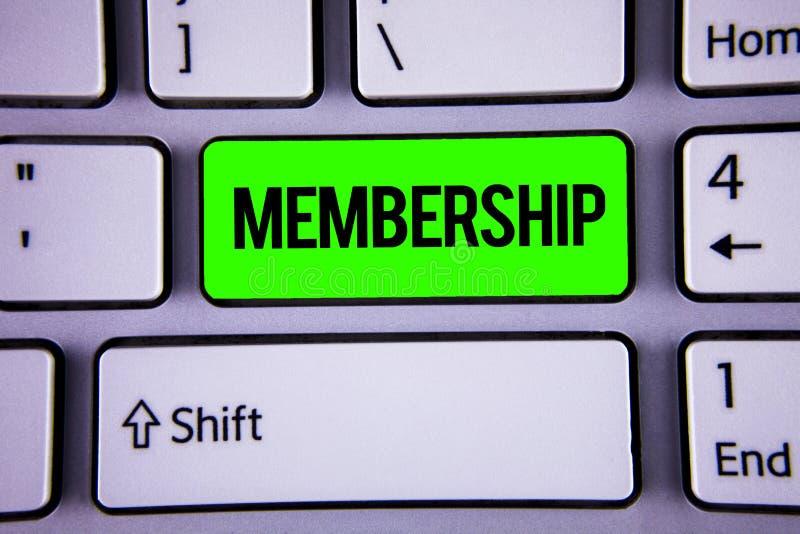 Adhésion des textes d'écriture de Word Le concept d'affaires pour être pièce de membre d'un groupe ou équipe joignent une organis image libre de droits