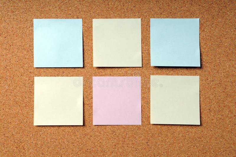 adhesive deski korka notatki ochraniacze obraz stock