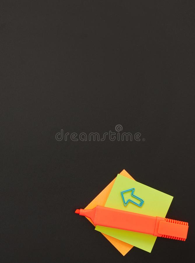 Adhesive note and felt tip pen royalty free stock photos
