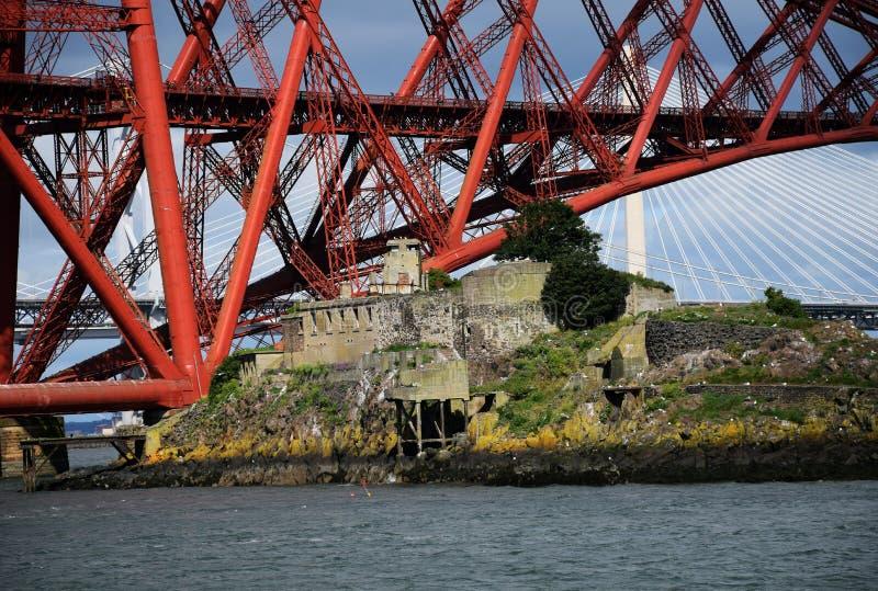 Adiante ponte e Inchgarvie fotografia de stock